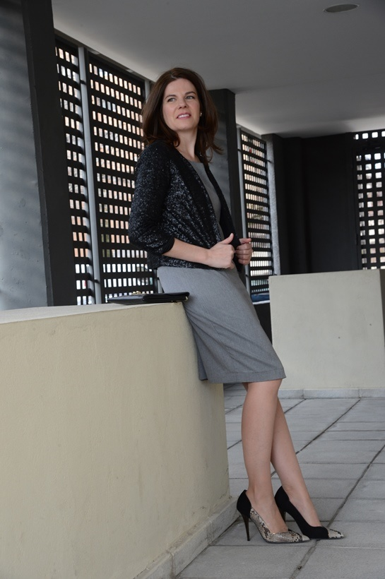Vestido business y paillettes