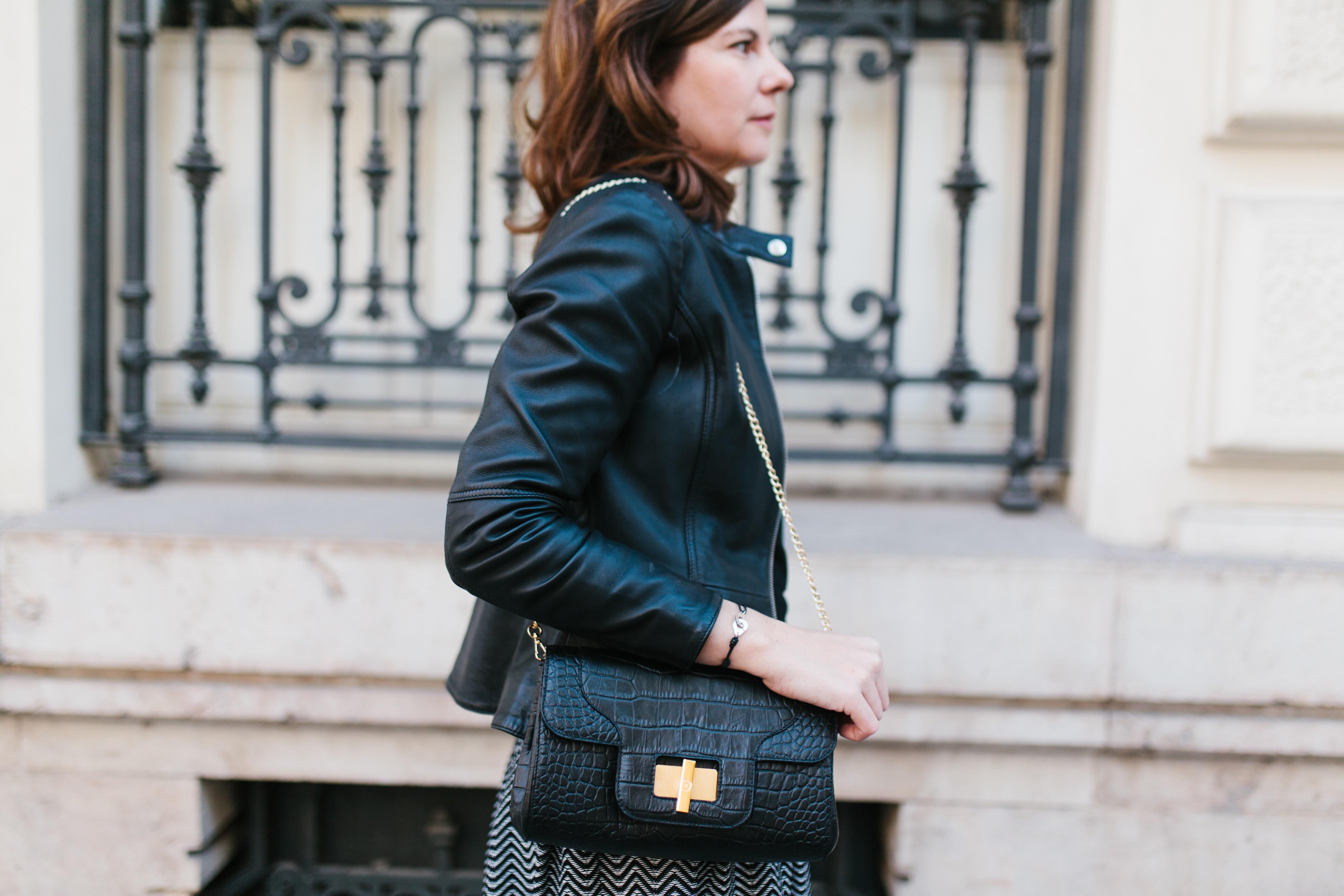 Un outfit muy urbano para ir de la oficina al afterwork | WorkingOutfits