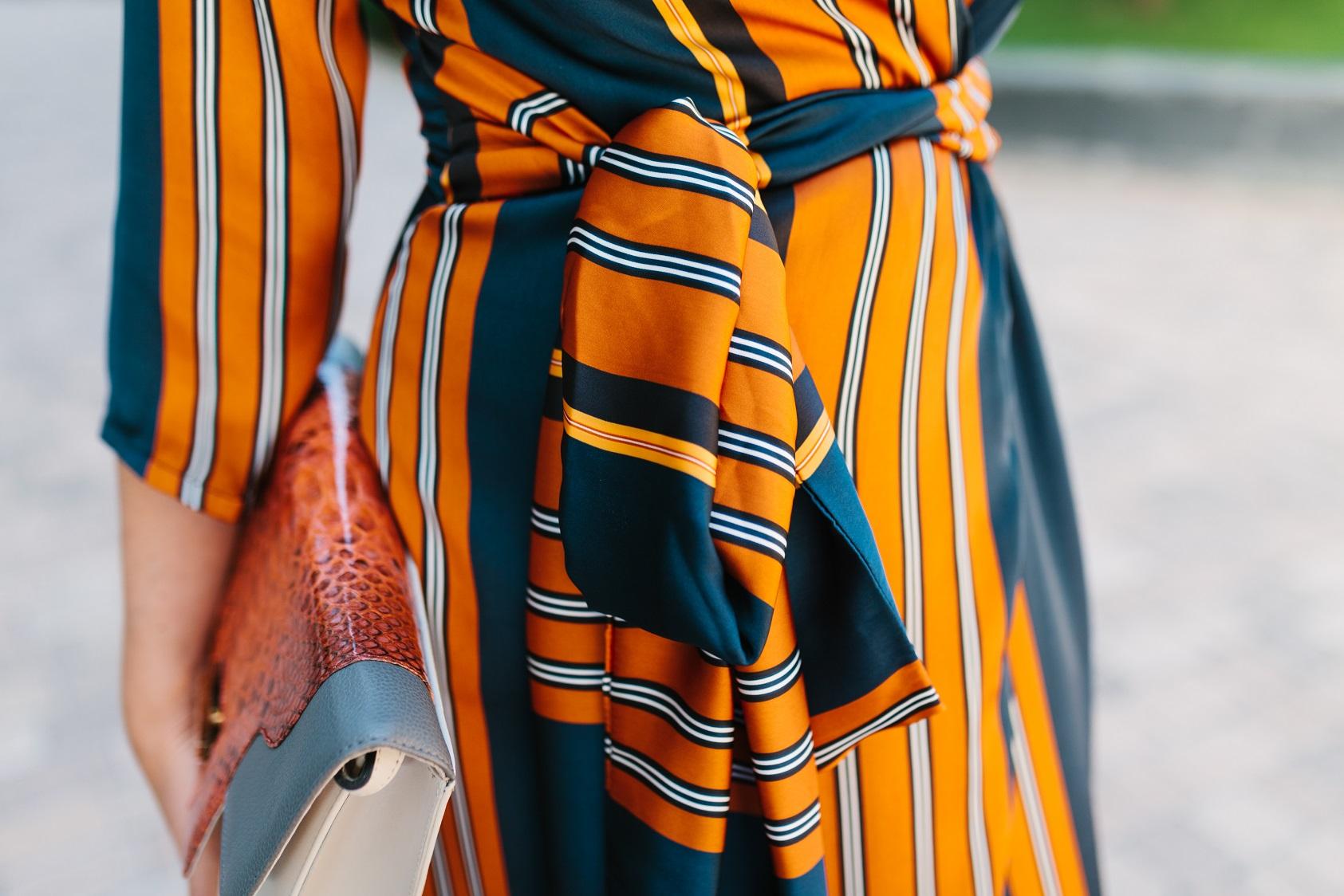 Detalle lazo del vestido batin